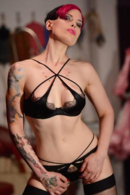 Mistress Natalie Kinky NYC